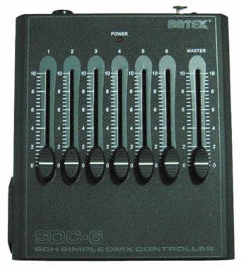 Handlich, kompakt, funktional – das ist der SDC-6 DMX Controller!
