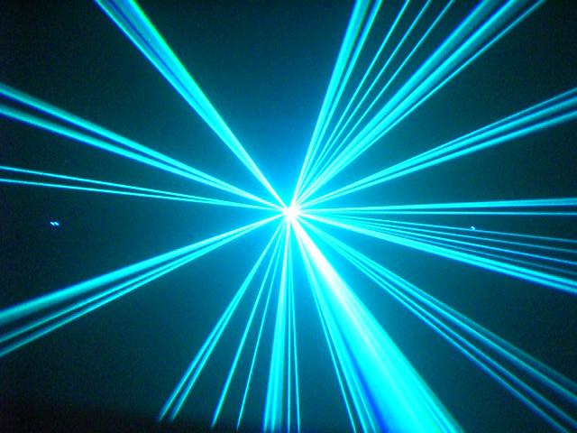 Neuheit von Laserworld: RS-2300RGB Laser mit 2300mW Weißlicht-RGB Laserleistung!