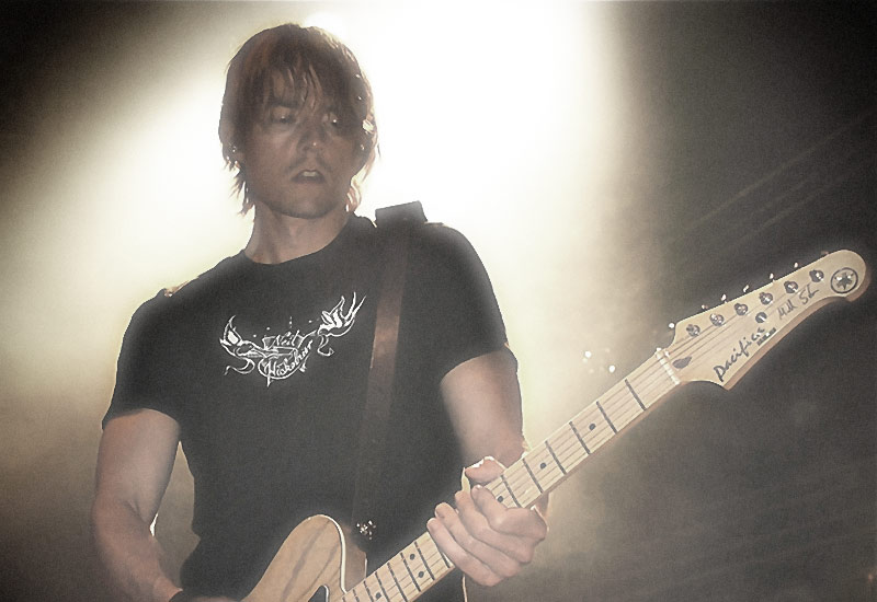 H-Blockx' Gitarrist Tinte spielt Yamaha