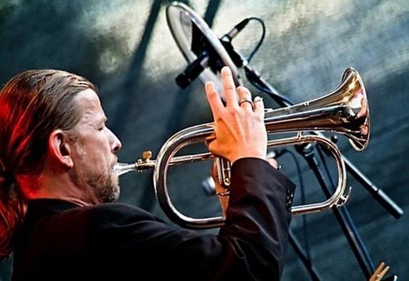 Buchvorstellung mit Heavytones-Trompeter Rüdiger Baldauf