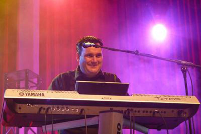 Michel Voncken stellt Tyros 4 Entertainerpack und PSR-S950 vor