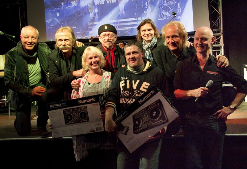 HÖHNER CD+DVD Präsentation LIVE im MUSIC STORE