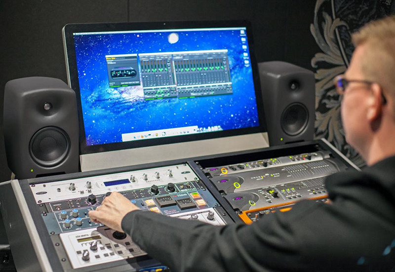 Genelec M030 + M040 Studio Monitor Lautsprecher