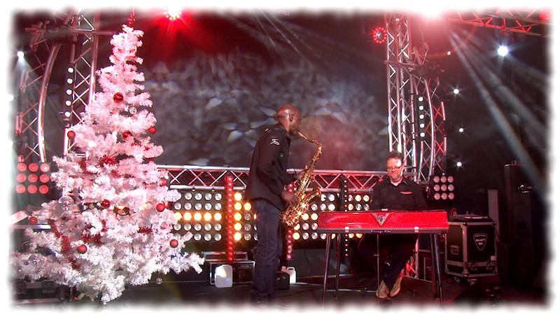 MUSIC STORE wünscht Frohe Weihnachten