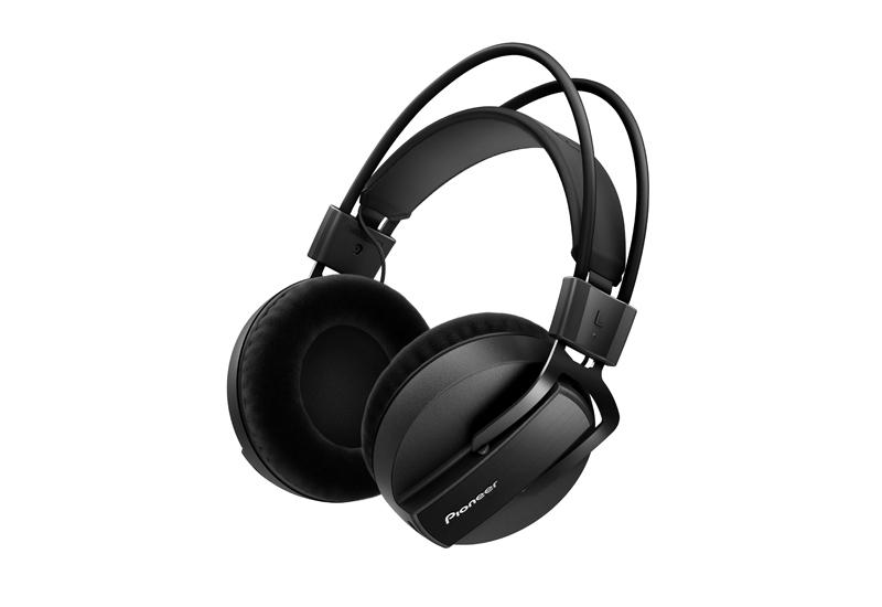 NAMM Show 2015 – PIONEER präsentiert neuen HRM-7 Studio-Monitor-Kopfhörer