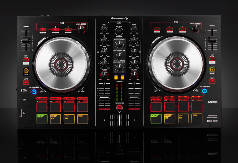 Pioneer präsentiert den neuen Einsteiger-Controller DDJ-SB2 für Serato DJ!