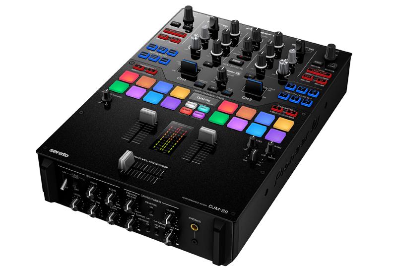 Pioneer präsentiert den neuen 2-Kanal-Battle-Mixer DJM-S9 für Serato DJ!