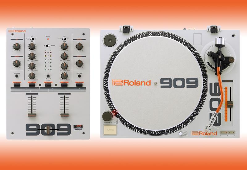 ROLAND präsentiert den TT-99 Plattenspieler und den DJ-99 DJ-Mixer!