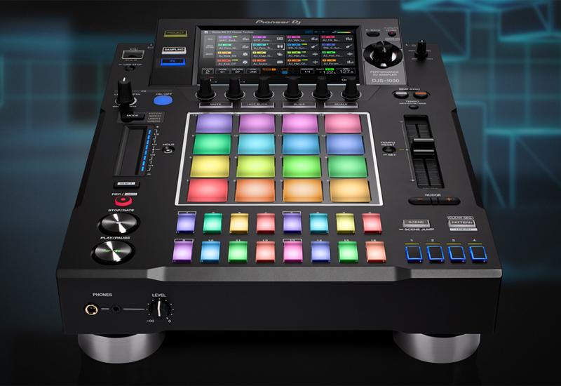 "PIONEER DJ präsentiert den Stand-alone-DJ-Sampler ""DJS-1000"""