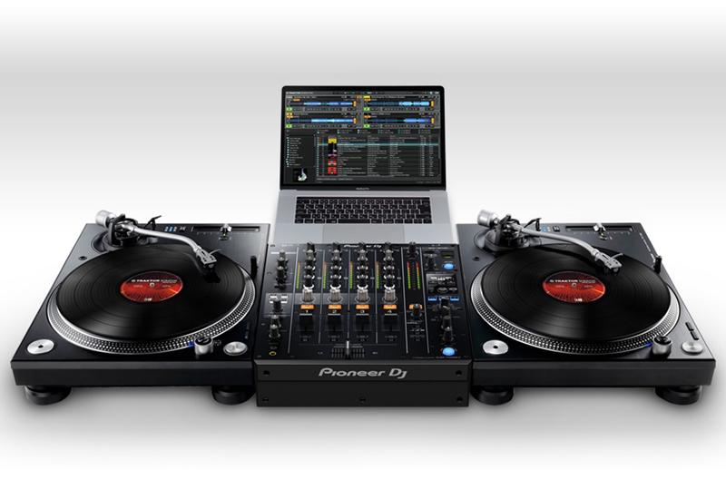 PIONEER DJ – TRAKTOR-Kompatibilität für CDJ-TOUR1 und die neuesten DJM-Mixer