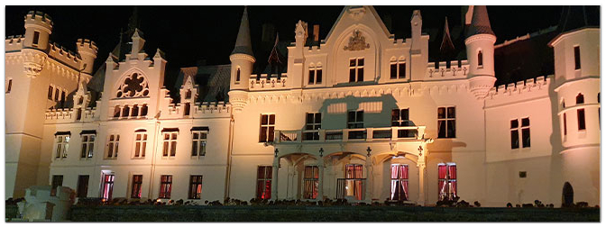 lightmaXX erhellt Schlosshotel Kommende in Ramersdorf