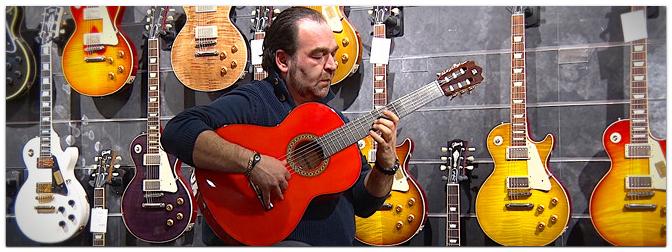 Flamenco-Star Rafael Cortes testet Alhambra Gitarren
