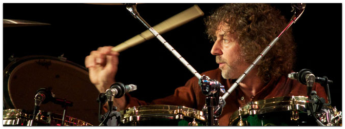 Workshop mit Simon Phillips am 23. Oktober im MUSIC STORE