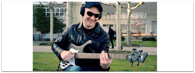 Wojtek Pilichowski demonstriert den neuen Fame Pi 4 Bass